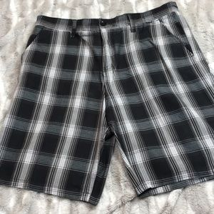 Hurley black and gray plaid shorts sz 36